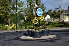 Village de Kippax prêt pour la course de recyclage de la visite De Yorkshire photographie stock libre de droits