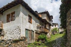 Village de Kosovo avec les maisons du 19ème siècle authentiques, Bulgarie photographie stock