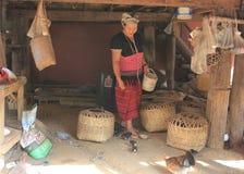 Village de l'Asie de l'Est et les gens - ethnie de Karen en Thaïlande photographie stock libre de droits