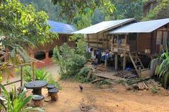 Village de l'Asie de l'Est et les gens - ethnie de Karen en Thaïlande photos libres de droits