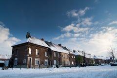 Village de l'Europe centrale sous la neige Images libres de droits