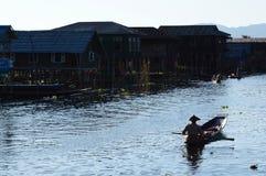 Village de Maing Thauk Lac Inle myanmar image libre de droits