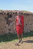 Village de masai en dehors d'une maison Photos stock
