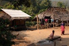 Village de minorité de Karen Photographie stock libre de droits