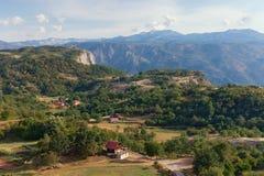 Village de montagne dans Monténégro Photos libres de droits