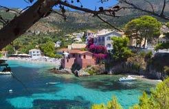 Village de pêche grec traditionnel photos libres de droits