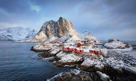 Village de pêche de Hamnoy sur des îles de Lofoten, Norvège Images libres de droits