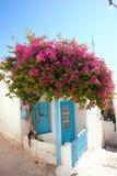 Village de pêche traditionnel sur des Milos île, Grèce photographie stock libre de droits