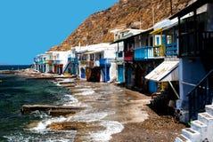 Village de pêche traditionnel sur l'île de Milos Photographie stock libre de droits
