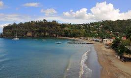 Village de pêche tranquille sur l'île images stock