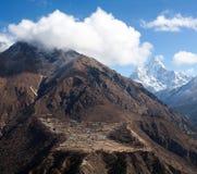 Village de Phortse sur le chemin au camp de base d'Everest, Népal Photos stock