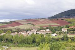 Village de San Andres del Valle dans La Rioja, Espagne Image stock