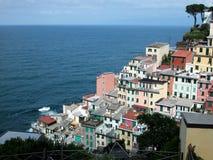 village de terre de riomaggiore de l'Italie de cinque Photo stock