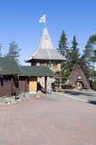 Village de vacances du père noël. Images stock