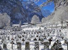 Village de vallée de l'hiver Photographie stock