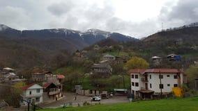Village derrière le monastère Goshavank complexe près de Dilijan Arménie du nord image libre de droits