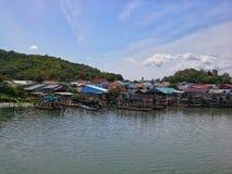 Village des fishermans dans le lac Songkhla, Thaïlande Images libres de droits