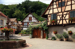 Village en Alsace photographie stock libre de droits