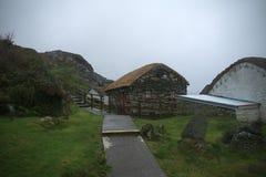 Village Glencolumbkille d'Irsih sur la côte Image stock