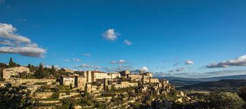 Village Gordes on the top of hill Royalty Free Stock Photography