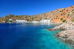Village grec de littoral de Loutro, Crète Photos stock