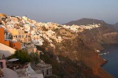 Village grec traditionnel, Oia, Santorini Photos stock