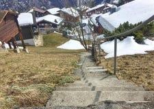 village habillé de neige Photographie stock libre de droits