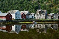 Village historique de Shoreline Laerdal Norvège Photos libres de droits