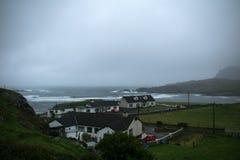 Village irlandais Glencolumbkille sur la côte Photo libre de droits