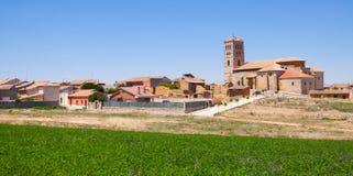 Village la Castille et à Léon Torremormojon images stock