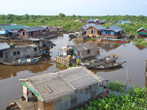Village on a lake, Tonle Sap Royalty Free Stock Images