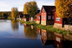 Village latéral de fleuve Photographie stock