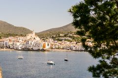 Village m?di?val Cadaques sur Costa Brava Catalonia Spain l'Europe photo stock