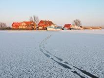 Village Minge en hiver, Lithuanie Images libres de droits