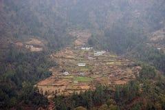 Village népalais en Himalaya, voyage d'Everest Images libres de droits