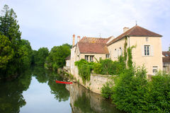 Village Noyers with river Serein Royalty Free Stock Photos