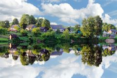 Free Village On The River Bank Royalty Free Stock Image - 113246126