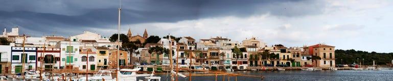 Village panoramique de côte Photographie stock libre de droits