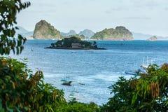 Village philippin sur l'eau photos stock