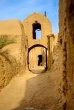 Village pise-muré par Iranien Photos stock