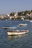 Village Rogoznica en Croatie sur la côte dalmatienne Photo stock