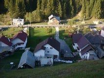 Village roumain posé d'en haut photo libre de droits