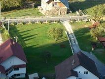 Village roumain posé d'en haut photos libres de droits