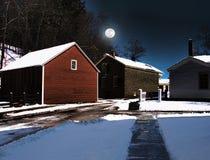 Village rural la nuit image libre de droits