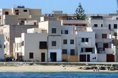 Village sur une plage Image libre de droits