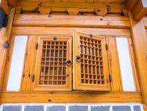 Village traditionnel de hanok d'Architecturebukchon de Coréen Fenêtre coréenne de style images libres de droits