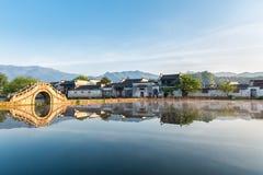 Villages antiques chinois dans le début de la matinée Image stock