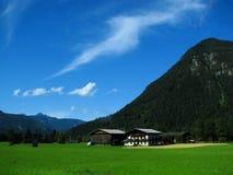Villaggio in alpi austriache Fotografia Stock Libera da Diritti