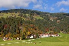Villaggio alpino in Austria immagine stock libera da diritti