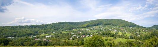 Villaggio alpino in Carpathians Immagine Stock Libera da Diritti